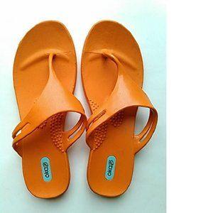 Oka-B Womens Thong Sandals, Orange, ML